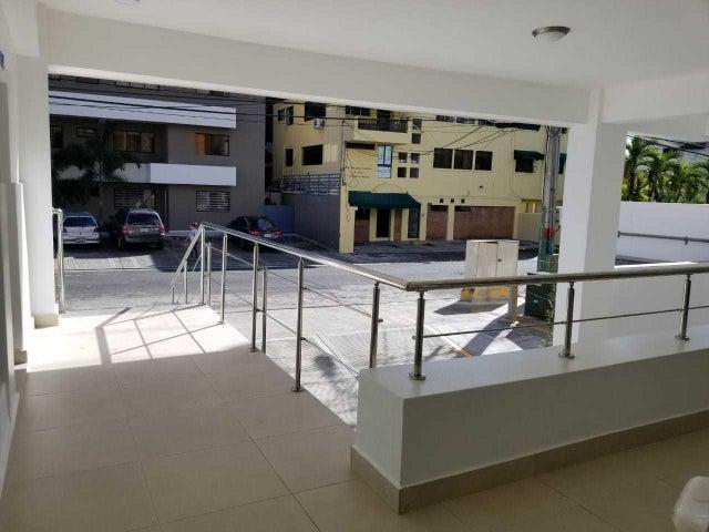 Local Comercial Santo Domingo>Distrito Nacional>Naco - Alquiler:821 Dolares - codigo: 18-509