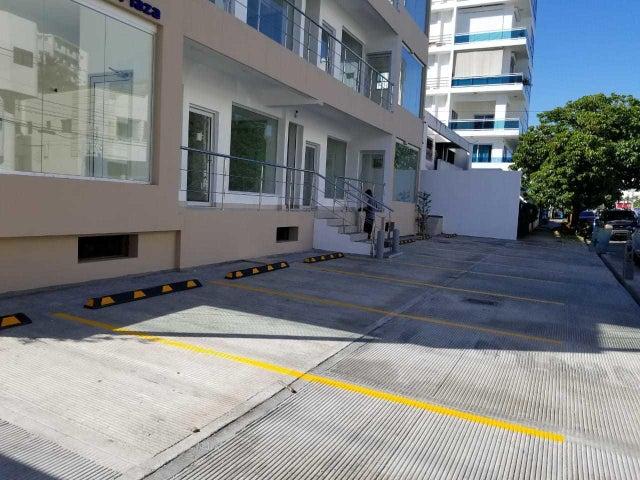 Local Comercial Santo Domingo>Distrito Nacional>Naco - Alquiler:963 Dolares - codigo: 18-503