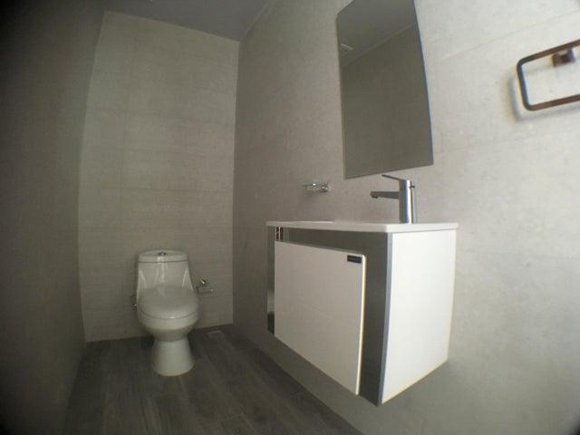 Apartamento Santo Domingo>Distrito Nacional>Urbanizacion Real - Venta:198.000 Dolares - codigo: 18-396