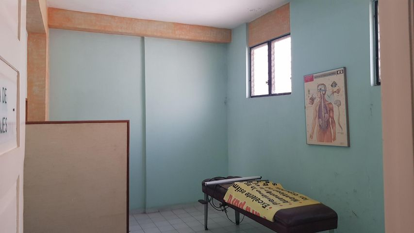 Local Comercial Santo Domingo>Distrito Nacional>Gazcue - Venta:650.000 Dolares - codigo: 18-1185