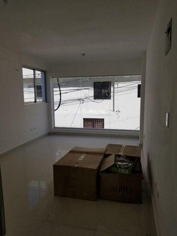 Local Comercial Santo Domingo>Distrito Nacional>Quisqueya - Alquiler:610 Dolares - codigo: 18-1200