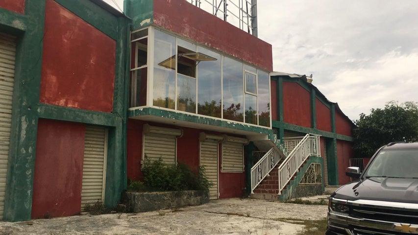 Galpon - Deposito La Altagracia>Punta Cana>Bavaro - Alquiler:4.000 Dolares - codigo: 18-1203