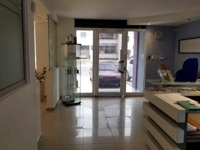 Local Comercial Santo Domingo>Distrito Nacional>Piantini - Venta:590.000 Dolares - codigo: 18-1205