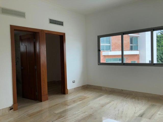Casa Santo Domingo>Distrito Nacional>La Julia - Venta:1.417.000 Dolares - codigo: 18-1207