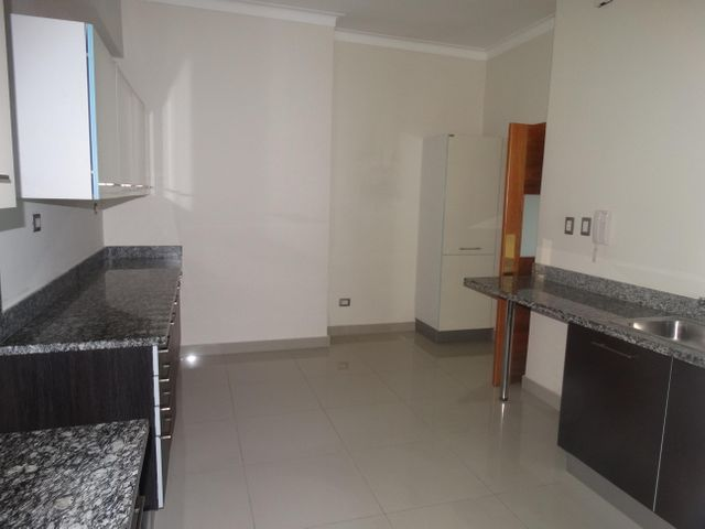 Apartamento Santo Domingo>Distrito Nacional>Evaristo Morales - Alquiler:1.150 Dolares - codigo: 18-1209