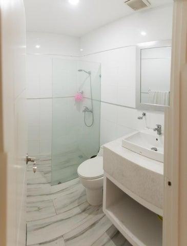 Apartamento Santo Domingo>Distrito Nacional>Naco - Venta:595.000 Dolares - codigo: 18-1234