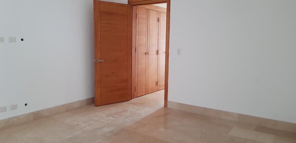 Apartamento Santo Domingo>Distrito Nacional>Naco - Venta:497.000 Dolares - codigo: 18-1258