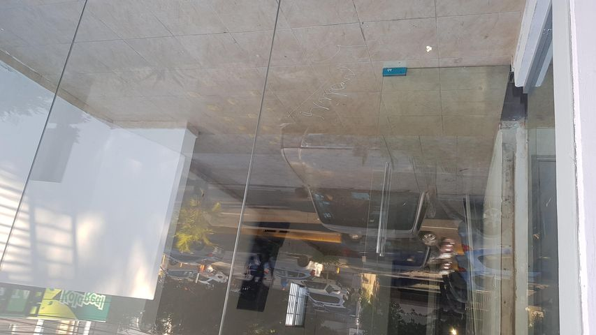 Local Comercial Santo Domingo>Distrito Nacional>Bella Vista - Alquiler:1.674 Dolares - codigo: 18-1286