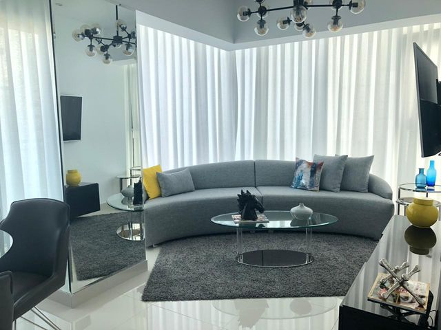 Apartamento Santo Domingo>Distrito Nacional>Piantini - Alquiler:1.400 Dolares - codigo: 18-990