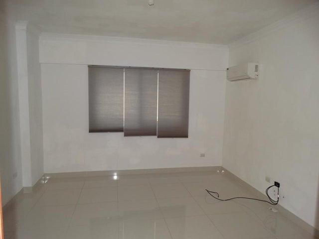 Apartamento Santo Domingo>Distrito Nacional>Bella Vista - Alquiler:800 Dolares - codigo: 18-1318