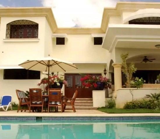 Casa Santo Domingo>Distrito Nacional>Arroyo Hondo - Venta:560.000 Dolares - codigo: 18-1364