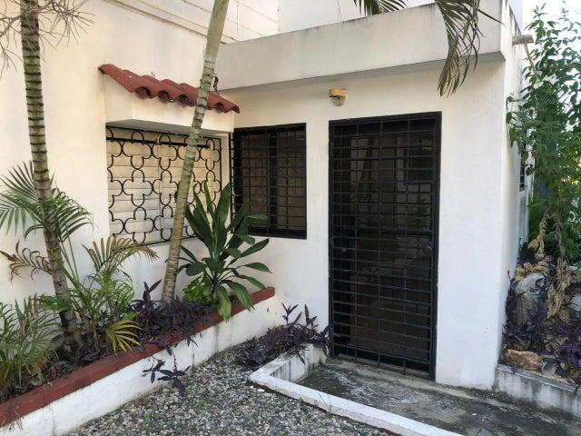 Local Comercial Santo Domingo>Distrito Nacional>Paraiso - Alquiler:2.500 Dolares - codigo: 18-1383
