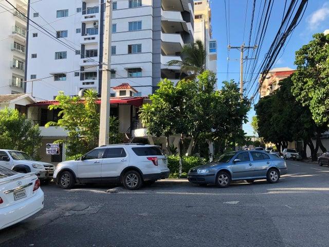 Local Comercial Santo Domingo>Distrito Nacional>Paraiso - Alquiler:3.500 Dolares - codigo: 18-1383