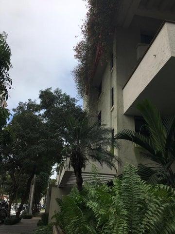 Apartamento Santo Domingo>Distrito Nacional>Piantini - Alquiler:3.200 Dolares - codigo: 18-1399