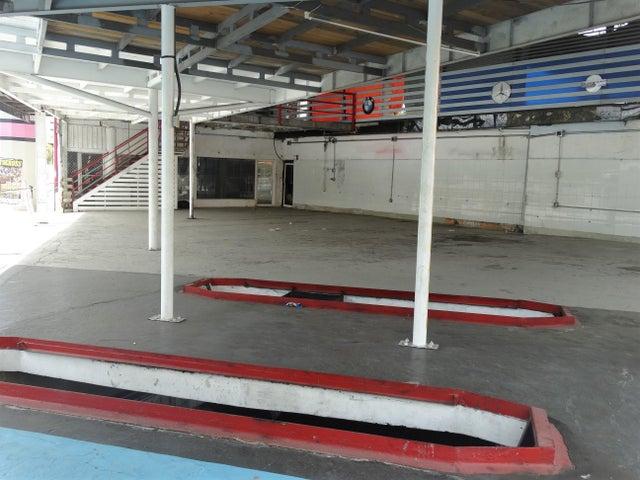 Local Comercial Santo Domingo>Distrito Nacional>Naco - Alquiler:8.000 Dolares - codigo: 18-1428