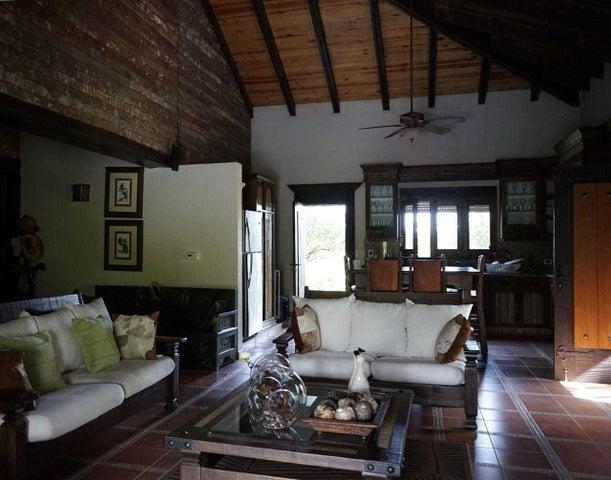 Casa Santo Domingo>Santo Domingo Oeste>Altagracia - Venta:24.000.000 Pesos - codigo: 19-4