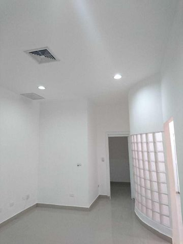 Local Comercial Santo Domingo>Distrito Nacional>Piantini - Alquiler:1.200 Dolares - codigo: 19-26