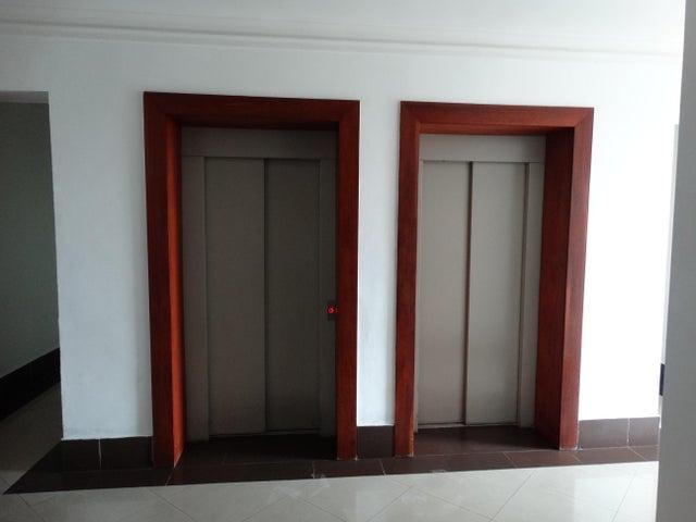 Apartamento Santo Domingo>Distrito Nacional>Gazcue - Alquiler:1.000 Dolares - codigo: 19-36
