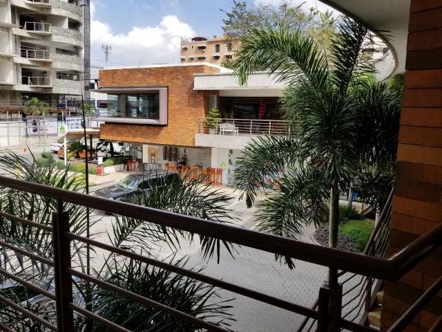 Local Comercial Santo Domingo>Distrito Nacional>Piantini - Alquiler:2.599 Pesos - codigo: 19-48