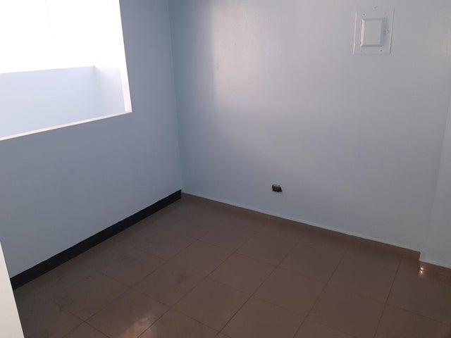 Local Comercial Santo Domingo>Distrito Nacional>La Esperilla - Alquiler:25.000 Pesos - codigo: 19-120