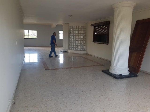 Terreno Santo Domingo>Distrito Nacional>Naco - Venta:1.600.000 Dolares - codigo: 18-1070