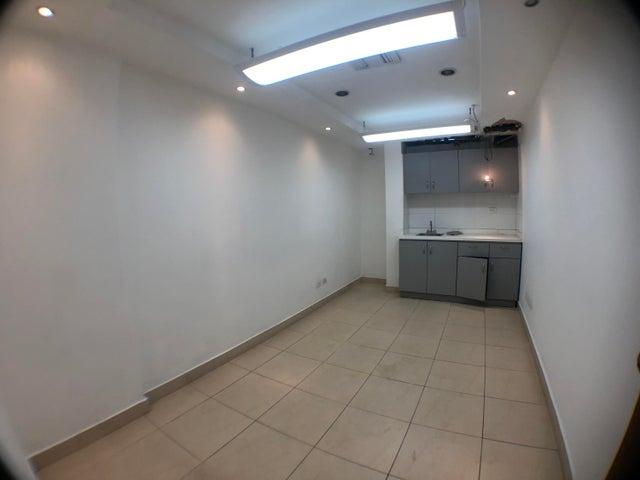 Local Comercial Santo Domingo>Distrito Nacional>Naco - Alquiler:1.700 Dolares - codigo: 19-155