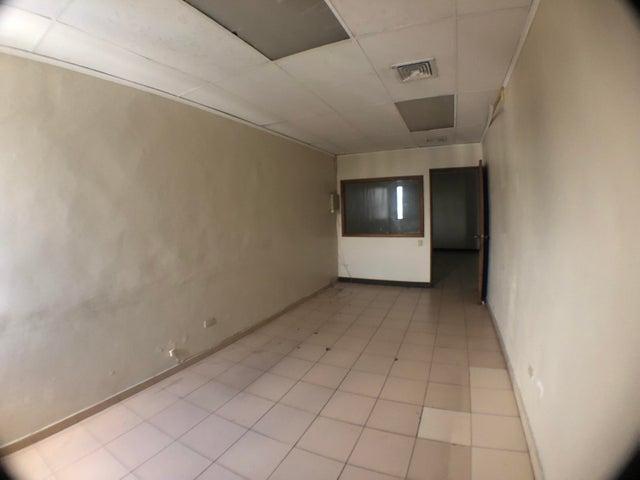 Local Comercial Santo Domingo>Distrito Nacional>Naco - Alquiler:5.100 Dolares - codigo: 19-156