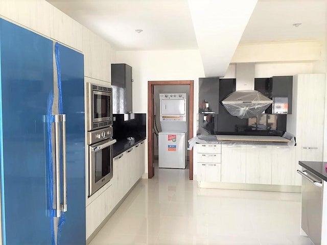 Apartamento Santo Domingo>Distrito Nacional>Piantini - Alquiler:2.700 Dolares - codigo: 19-167