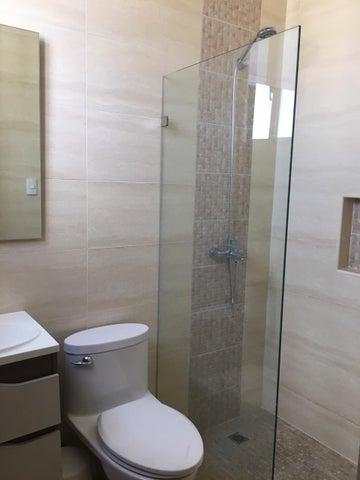 Apartamento Santo Domingo>Distrito Nacional>Serralles - Alquiler:1.400 Dolares - codigo: 19-237