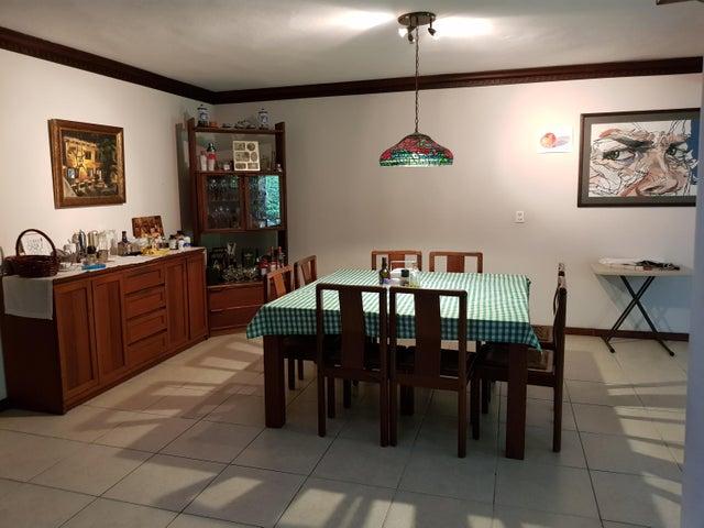 Casa Santo Domingo>Distrito Nacional>La Castellana - Venta:340.000 Dolares - codigo: 18-1341