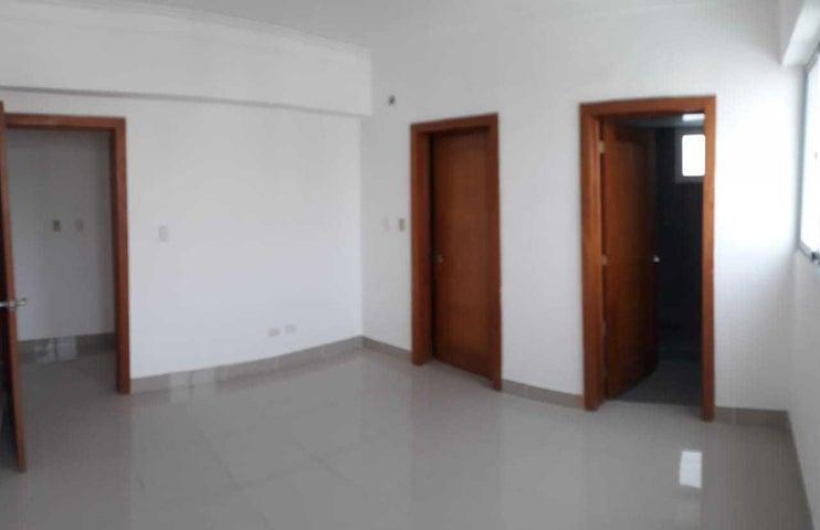 Apartamento Santo Domingo>Distrito Nacional>Evaristo Morales - Venta:150.000 Dolares - codigo: 19-301