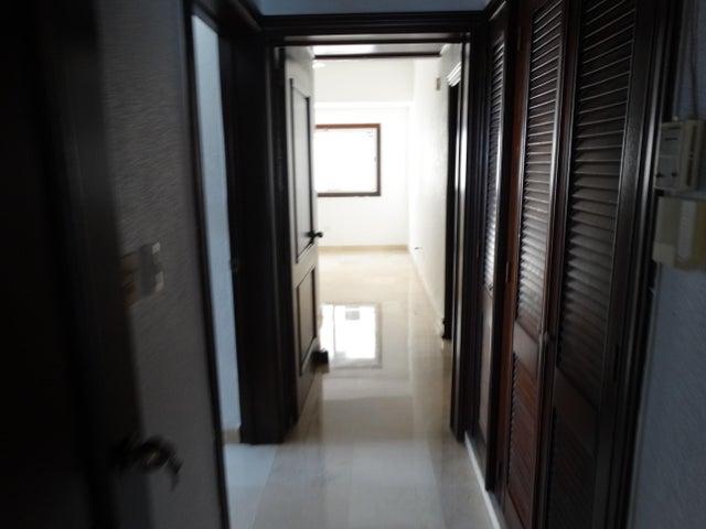 Apartamento Santo Domingo>Distrito Nacional>Los Cacicazgos - Venta:260.000 Dolares - codigo: 19-302