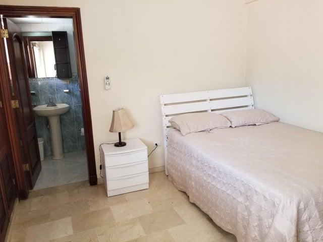 Apartamento Santo Domingo>Distrito Nacional>Serralles - Alquiler:1.600 Dolares - codigo: 19-306