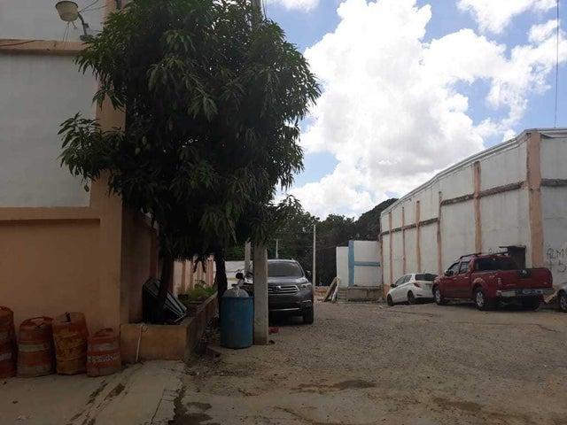Industrial Santo Domingo>Distrito Nacional>Ciudad Real I - Alquiler:2.000 Dolares - codigo: 19-314