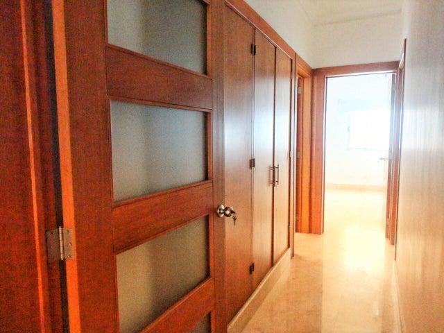 Apartamento Santo Domingo>Distrito Nacional>Piantini - Alquiler:2.600 Dolares - codigo: 19-468