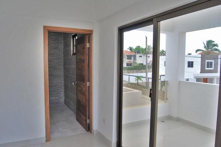 Casa Santo Domingo>Distrito Nacional>Arroyo Hondo - Venta:10.950.000 Pesos - codigo: 19-522