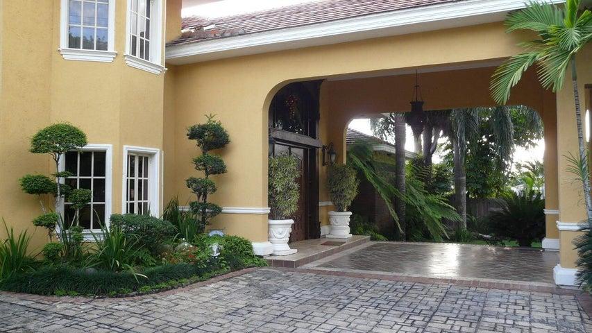 Casa Santo Domingo>Distrito Nacional>Cuesta Hermosa II - Venta:1.250.000 Dolares - codigo: 19-608