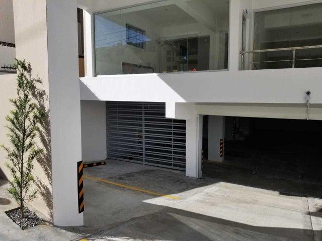 Local Comercial Santo Domingo>Distrito Nacional>Naco - Alquiler:633 Dolares - codigo: 19-634