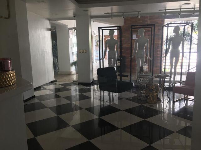 Local Comercial Santo Domingo>Distrito Nacional>Piantini - Alquiler:2.527 Dolares - codigo: 19-684