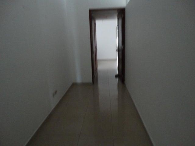 Apartamento Santo Domingo>Distrito Nacional>La Esperilla - Alquiler:1.200 Dolares - codigo: 19-771