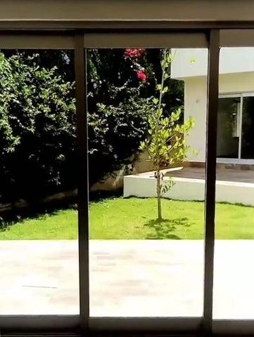 Casa Santo Domingo>Distrito Nacional>Cuesta Hermosa - Venta:189.000 Dolares - codigo: 19-795