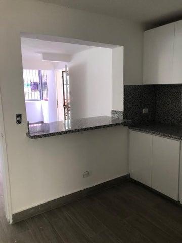 Apartamento Santo Domingo>Distrito Nacional>Piantini - Alquiler:550 Dolares - codigo: 19-800