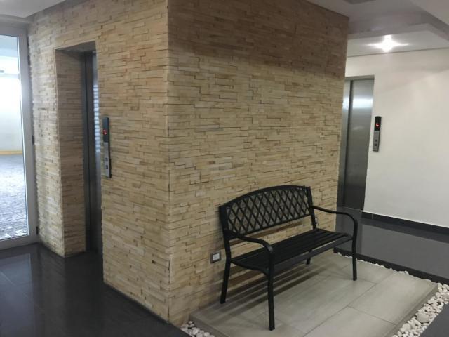 Apartamento Santo Domingo>Distrito Nacional>Evaristo Morales - Venta:180.000 Dolares - codigo: 19-814