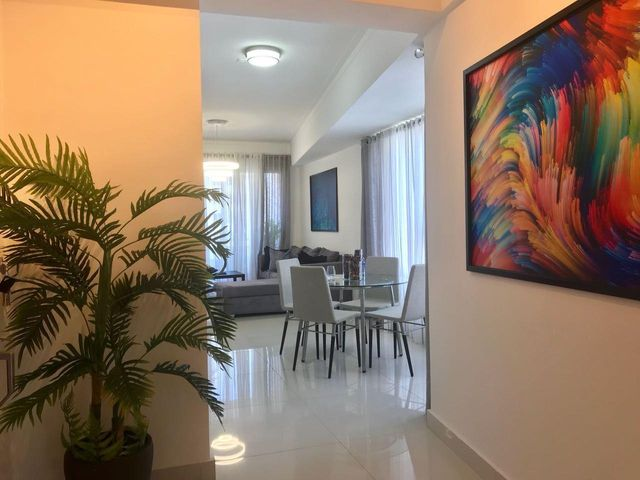 Apartamento Santo Domingo>Distrito Nacional>Naco - Alquiler:1.200 Dolares - codigo: 19-826