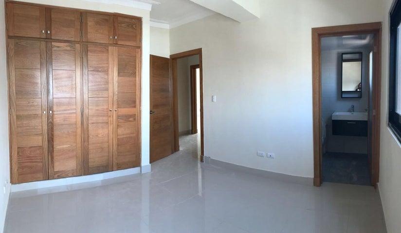 Apartamento Santo Domingo>Distrito Nacional>El Vergel - Alquiler:1.500 Dolares - codigo: 19-918