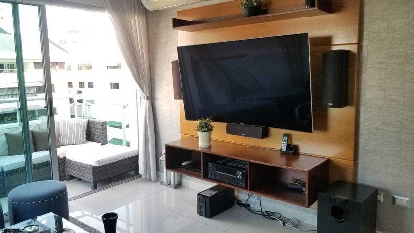 Apartamento Santo Domingo>Distrito Nacional>Piantini - Alquiler:1.600 Dolares - codigo: 19-922