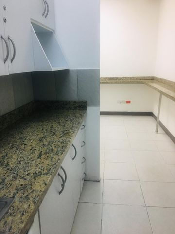 Oficina Santo Domingo>Distrito Nacional>Evaristo Morales - Alquiler:3.650 Dolares - codigo: 19-935