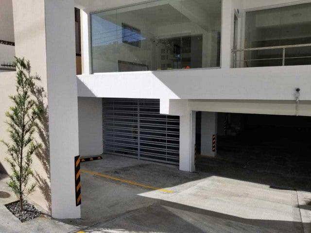 Local Comercial Santo Domingo>Distrito Nacional>Naco - Alquiler:653 Dolares - codigo: 19-960