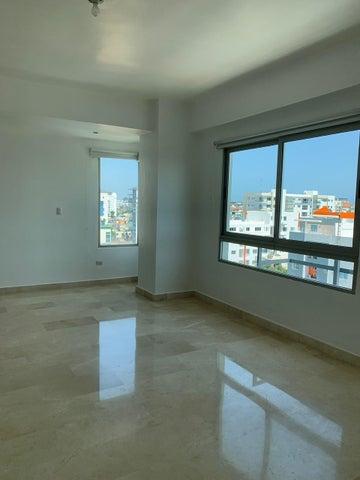 Apartamento Santo Domingo>Distrito Nacional>Evaristo Morales - Venta:360.000 Dolares - codigo: 19-964