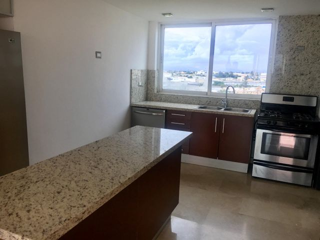 Apartamento Santo Domingo>Distrito Nacional>Los Cacicazgos - Alquiler:2.000 Dolares - codigo: 19-1082